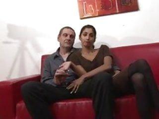 Indienne en pair libertin dans un casting porno