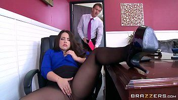 Brazzers - lola foxx - large booties like it large