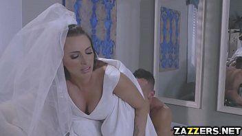 Трахни в жопу невесту втроем