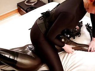 Savannah tickles, tortures and chokes a manacled rubber gal