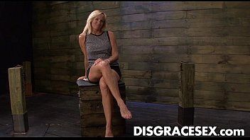 Dani dare entreats for greater amount shlong on the sybian doggy position